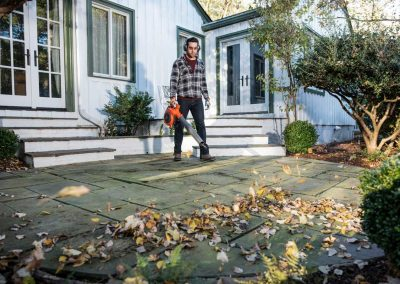 Husqvarna 125B 125BVX leaf blower and vacuum in action