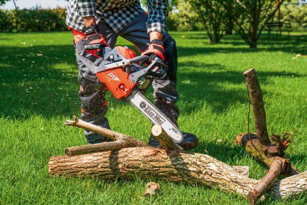 Oleo Mac GSH400 petrol chainsaw
