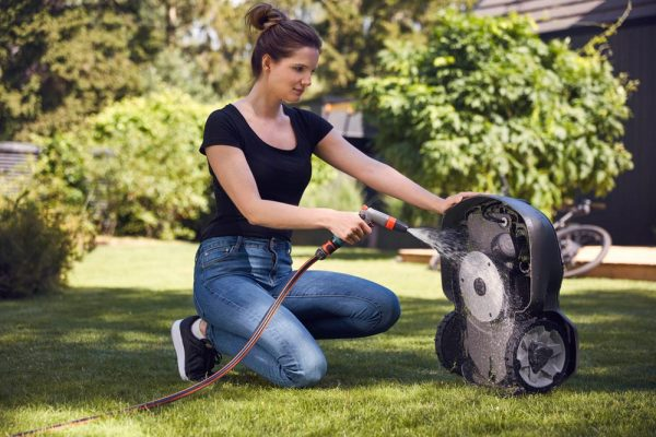 Easy Cleaning Husqvarna 305 Automower Galway